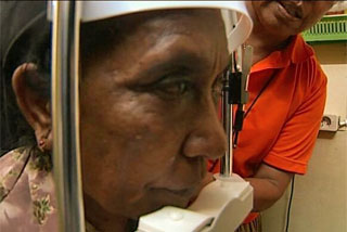 The Fred Hollows Foundation says around 10,000 East Timorese could regain their sight through a cataract operation