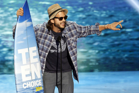 Ashton Kutcher at the Teen Choice Awards (Reuters)