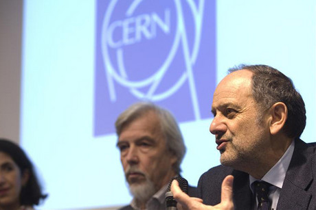 Guido Tonelli (R), CMS experiment spokesperson, next to Rolf Heuer (C), CERN Director General, and Fabiola Gianotti, ATLAS experiment spokesperson (Reuters)