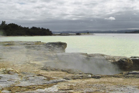 A man hid in a geothermal pool near Lake Rotorua (FreeNZPhotos.com)