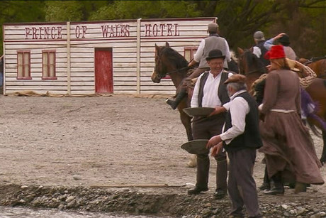 Two-hundred people re-enacted events from the gold rush that led to the birth of the Central Otago town