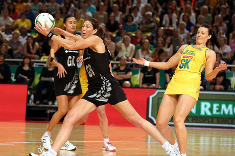 Irene Van Dyk playing the Diamonds (Photosport)