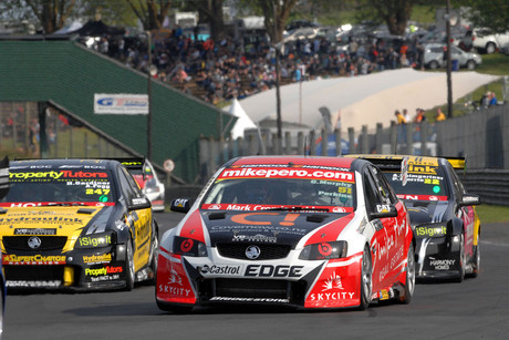 The Holden Commodore of NZ's Greg Murphy & Australia's Jack Perkins (Photosport)