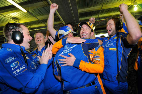 Team Ford Performance Racing celebrate Will Davison's win (AAP)