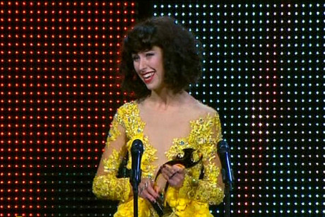 Kimbra accepting on of her five Tuis