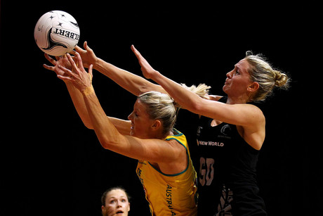 Silver Fern's Casey Williams competes against Australia's Catherine Cox (Photosport)
