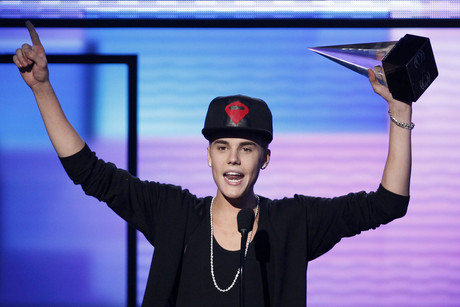 Justin Bieber accepts the award for Favourite Pop/Rock Album (Reuters)