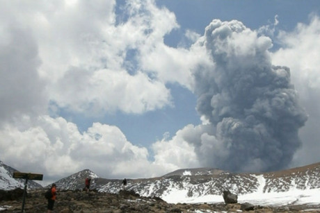 Mt Tongariro erupting last Thursday (photo: 90 Seconds TV)