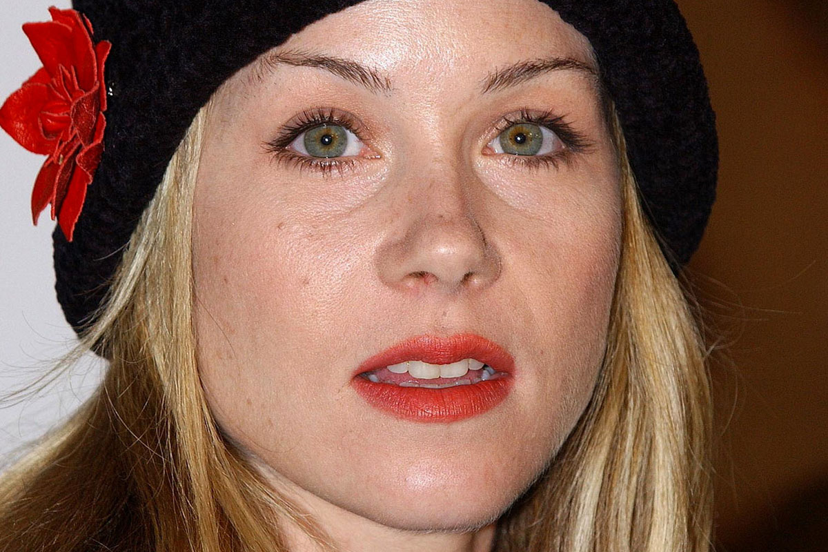 Christina Applegate Community