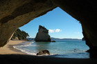 Rena wreck recovery teams will clean up Coromandel beaches in time for the summer holiday season (file)