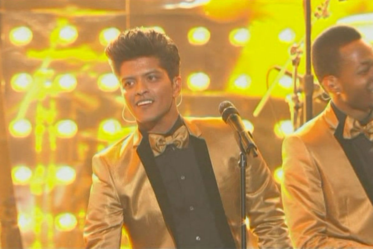 Download Mp3 Bruno Mars Young Girls Free Lirik Lagu Picture