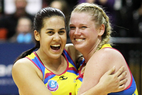 Pulse players Paula Griffin and Caitlin Thwaites (Photosport)