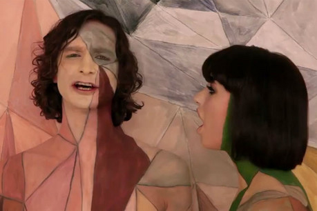 Gotye and Kimbra in the video for Somebody That I Used To Know