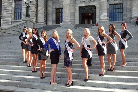 Miss NZ contestants on the steps of Parliament