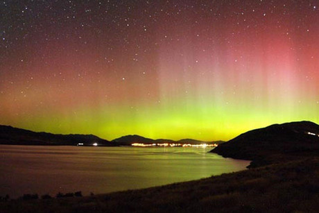 The Aurora over Lake Tekapo and Mount John in New Zealand's South Island (AAP)