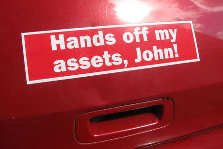 Anti-asset sales sticker seen on a car in Auckland