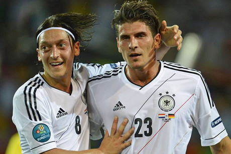 Mario Gomez, right, (Reuters)