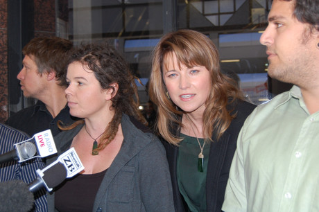 Lucy Lawless (right) with fellow Greenpeace protestor Vivienne Hadlow outside court today (Photo: Imogen Crispe)