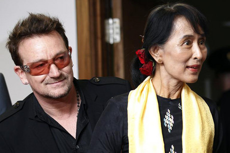 Myanmar's pro-democracy leader Aung San Suu Kyi (R) with Bono (Reuters)
