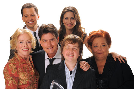 Charlie Sheen with the cast of Two and a Half Men (Getty)