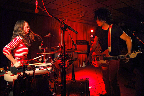 The White Stripes performing in Los Angeles, 2007 (WENN.com)