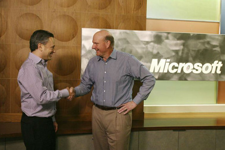 Yammer CEO David Sacks (L) and Microsoft CEO Steve Ballmer shake hands (Reuters)