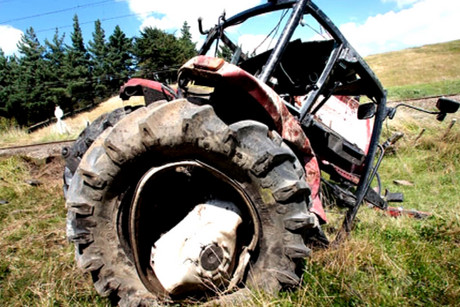 The tractor following the crash