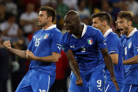 Italian players react to a dramatic quarterfinal win over England by penalties (Reuters file)