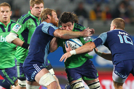 Tim Boys, with ball, to start for the Highlanders (Photosport file)