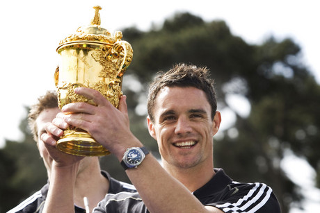 Dan Carter with the World cup trophy (Photosport file)