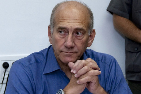 Former Israeli Prime Minister Ehud Olmert in a Jerusalem court in 2009 (NZN)