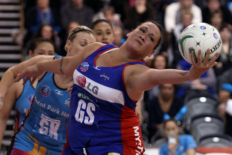 Catherine Latu in action for the Northern Mystics  (Photo: Photosport)