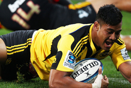 Julian Savea goes over (Photosport)