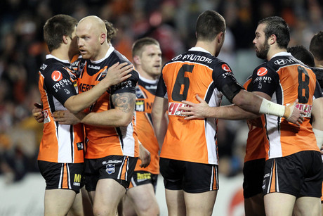 Wests Tigers celebrate (NZN)