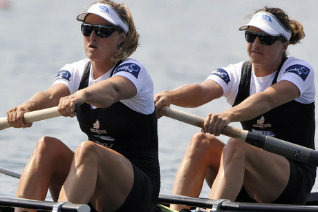 Kiwi World Champion rowers Juliette Haigh and Rebecca Scown (file pic)