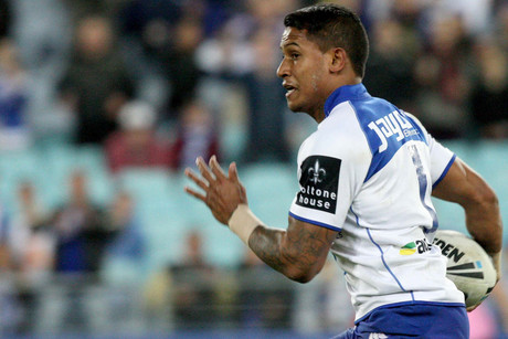 Ben Barba scoots away to score for the Bulldogs (NZN)