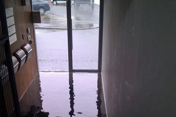 A  flooded doorway in Auckland (Photo: Webdrivenz)