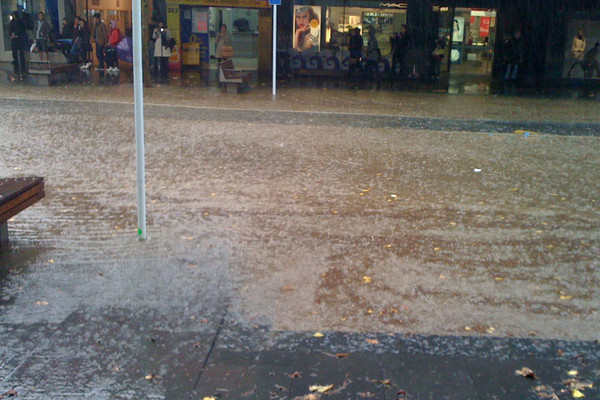 Flooding on Queen St (Photo: Jovan Milovic)