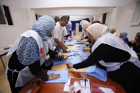 Electoral officials count ballots during the elections  (Photo: Reuters)