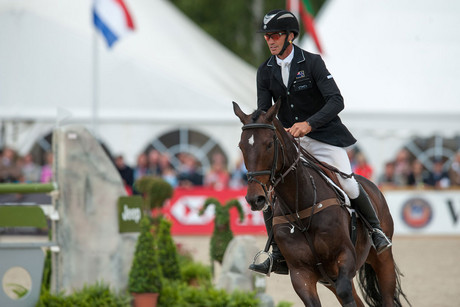 Andrew Nicholson (NZL) and horse Calico Joe (Photosport)