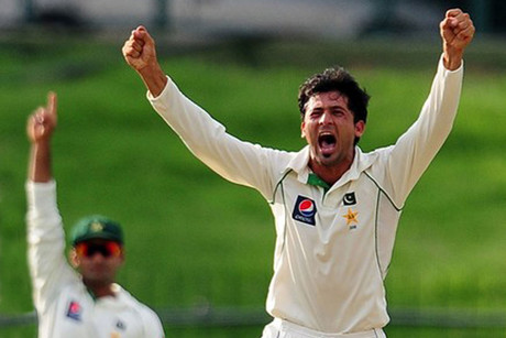 Junaid Khan (R) (Reuters)