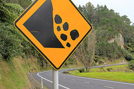 Rocks on the Ruahihi Bluffs now pose a potential risk to motorists (Photo: Sunlive)