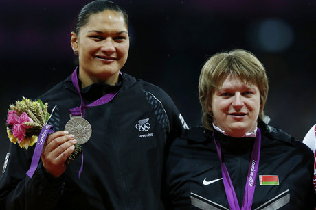 Valerie Adams with Nadzeya Ostapchuk on the podium (Reuters)