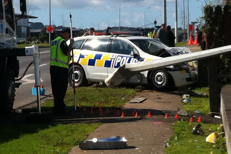The police officer sustained minor injuries from the crash (Photo: Danielle Raethel)