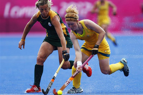 South Africa's Tarryn Bright (L) challenges Australia's Georgia Nanscawen at the Olympics  (Reuters)