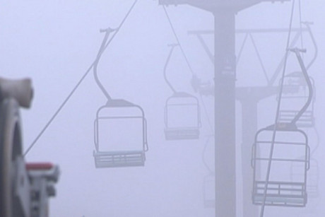 Turoa has closed its upper mountain lifts and brought skiiers down to lower levels on the mountain