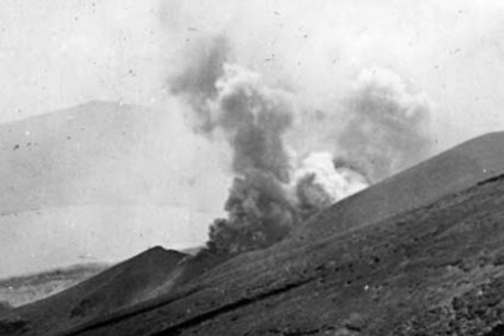 Mt Tongariro erupts in 1897