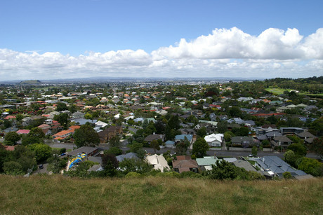 Auckland's medium house price reached a new record, rising 1.1 percent to $505,500