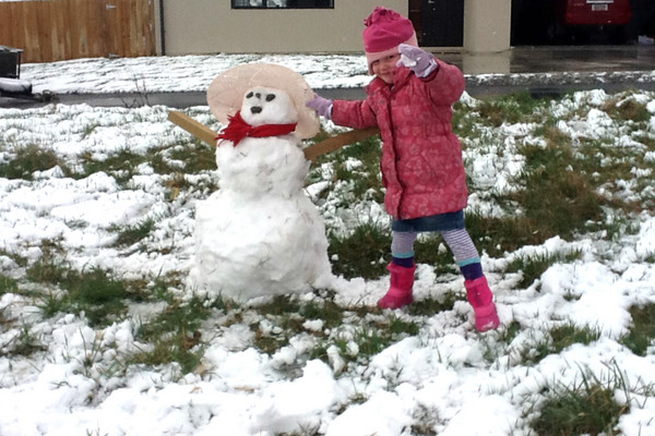 Brooklyn Campbell of Queenstown with her snowman (Photo: Cherie Campbell)
