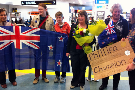 Friends and family wait for the athletes to arrive (Photo: Will Pollard / 3 News)